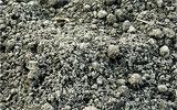 Boden bearbeiten und Struktur verbessern.